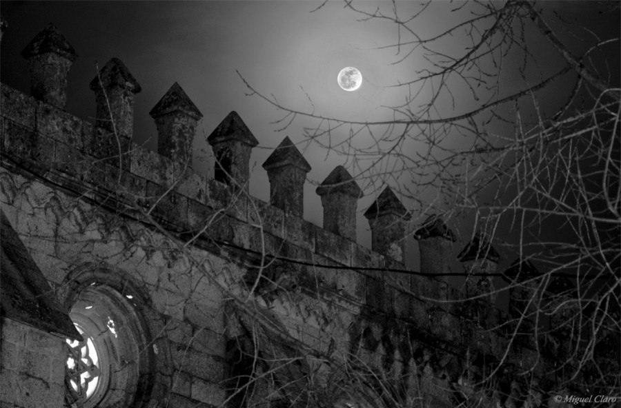ChurchEvorasMoon-Final-BW-net