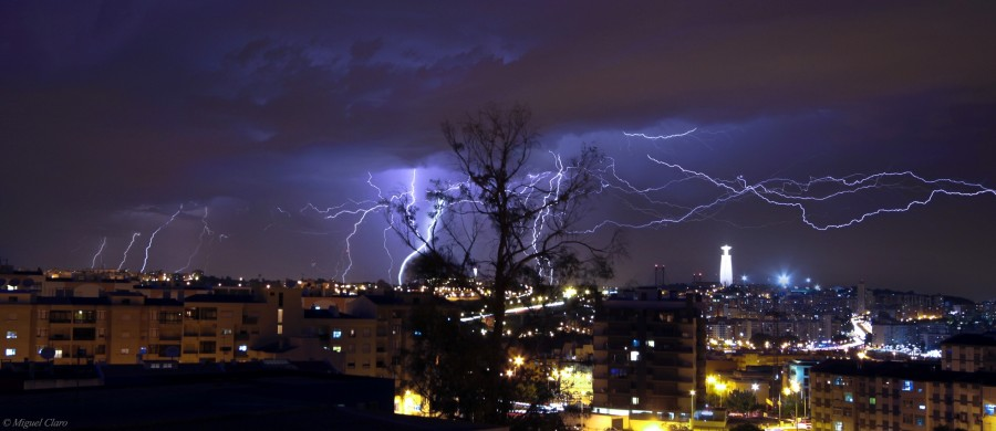 LightningStormLisbon-net