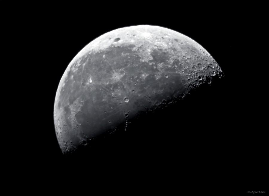 MoonLastQuarter_0346-Reg-net