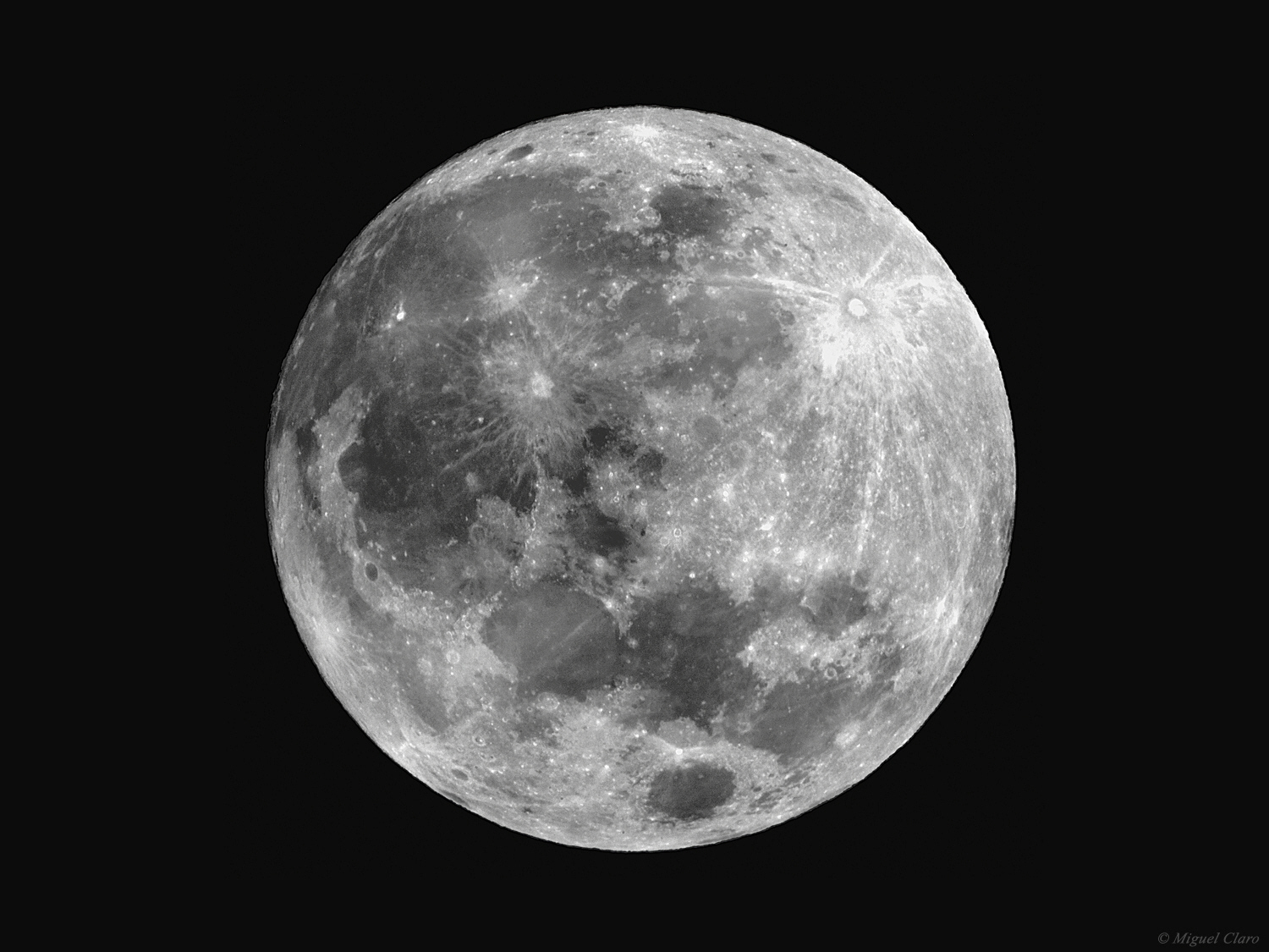 Moon in close up portfolio categories astrophotography - Moon close up ...