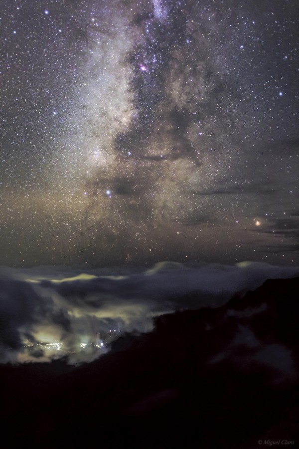 MilkyWay-LighPollutionsClouds_3626-net