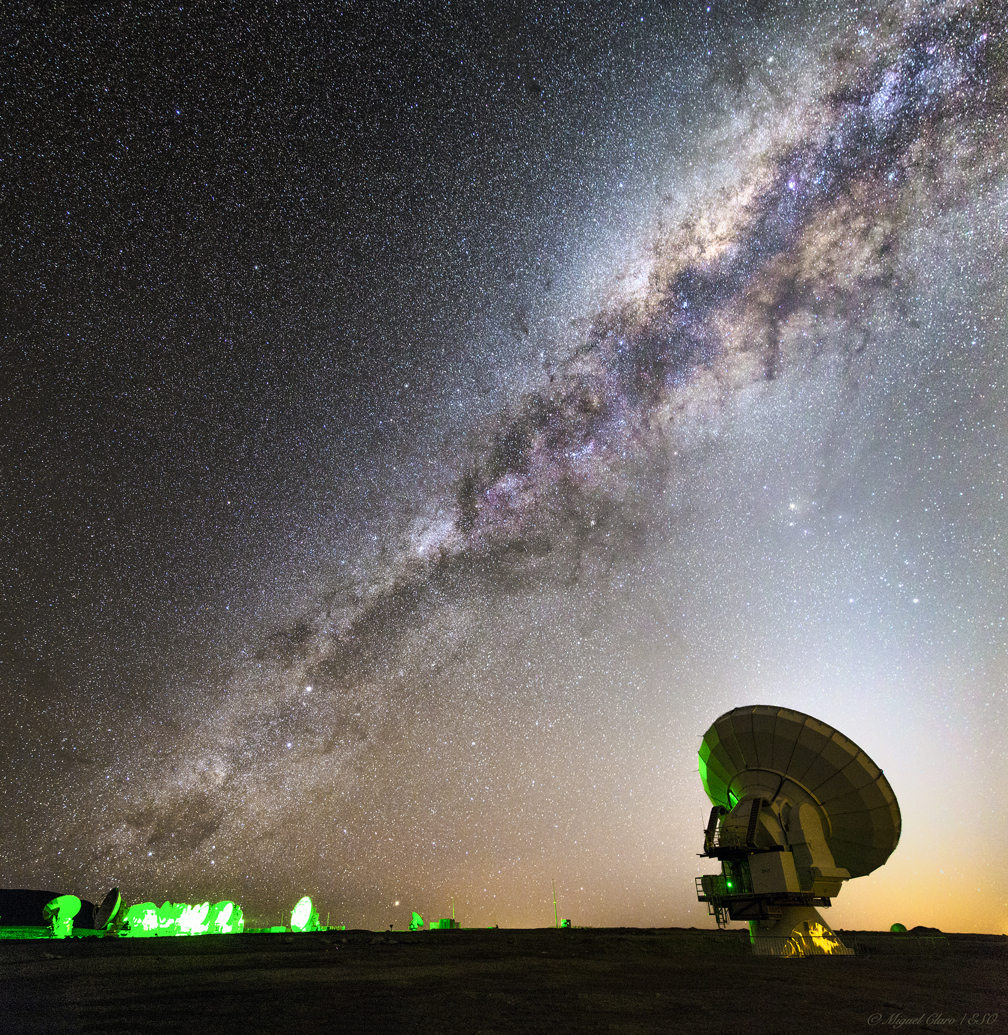 Milky Way Crossing the Sky of ALMA @ Astrophotography by