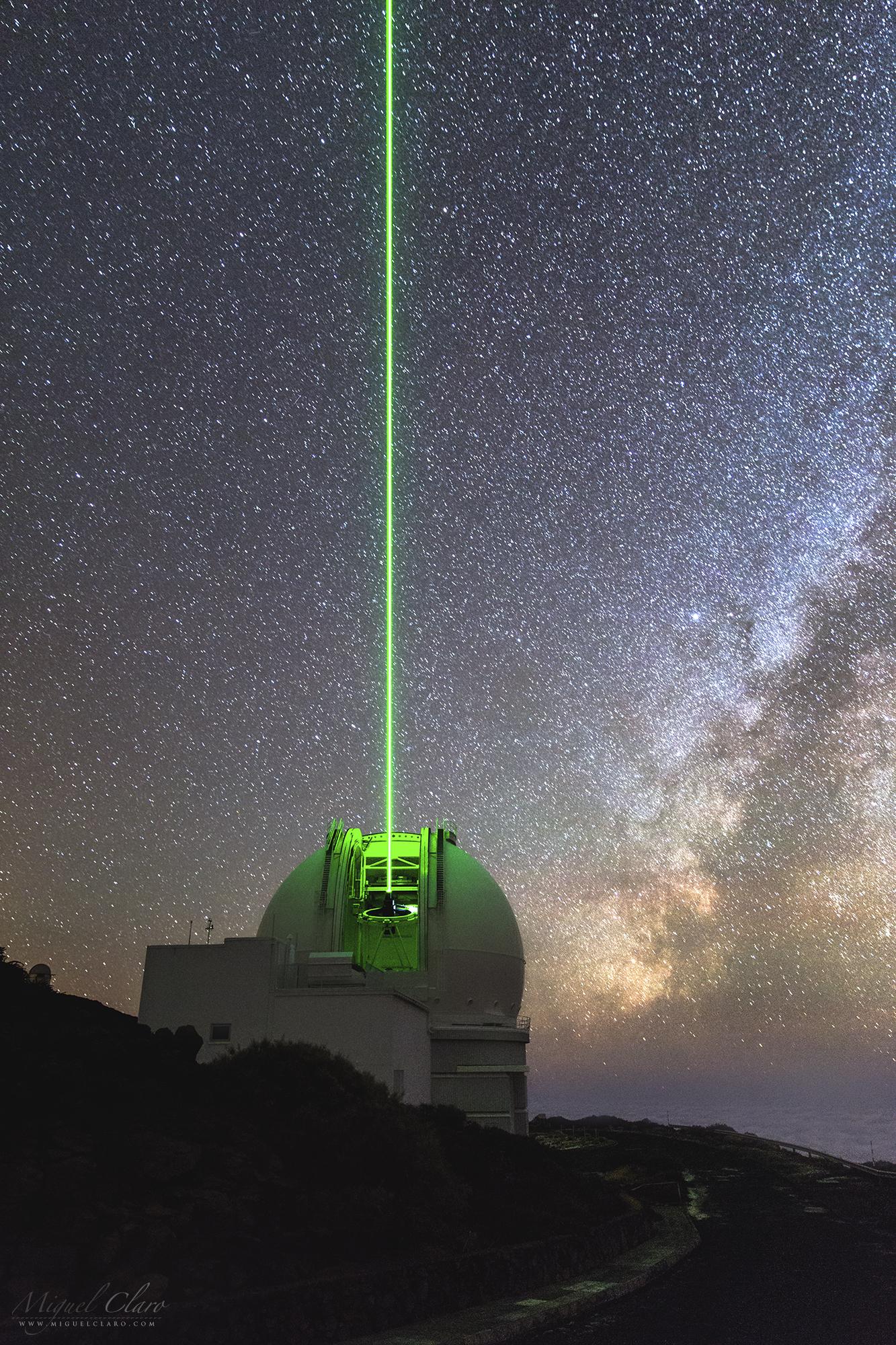 Resultado de imagem para raios de laser na direção de órion